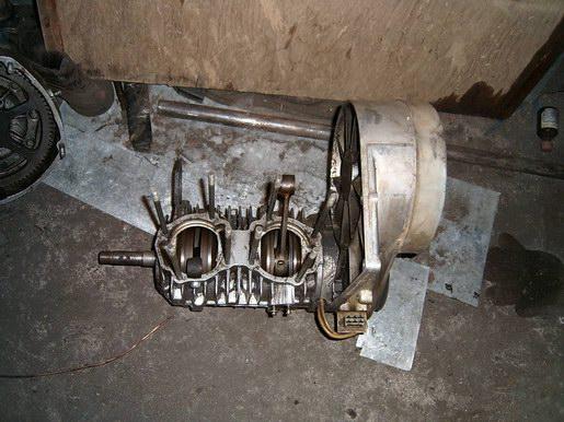 """У нас возникла идея сделать...  На моём вездеходе установлен двигатель от снегохода  """"Буран """", модели РМЗ-640..."""